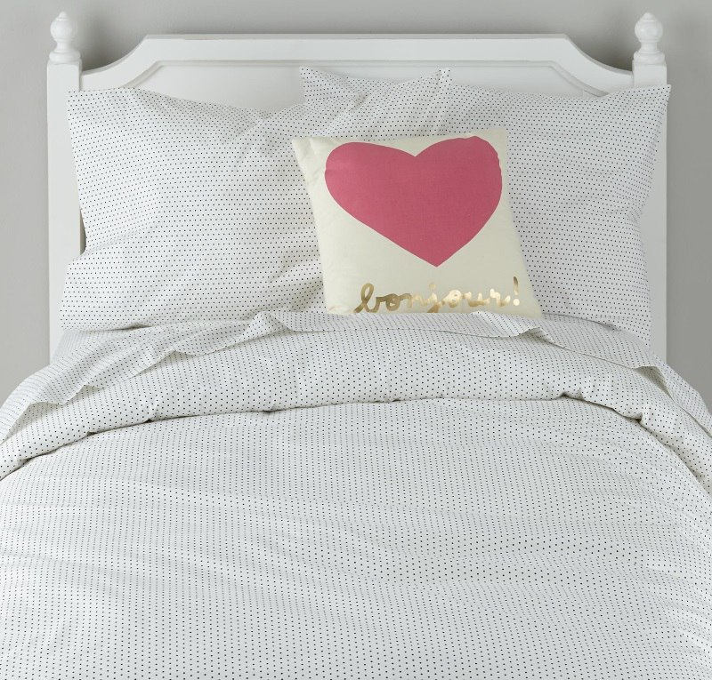 Dotted bedding goes with everything