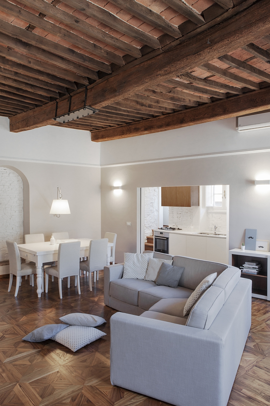 Smart Renovation Of Historic Italian Apartment ...