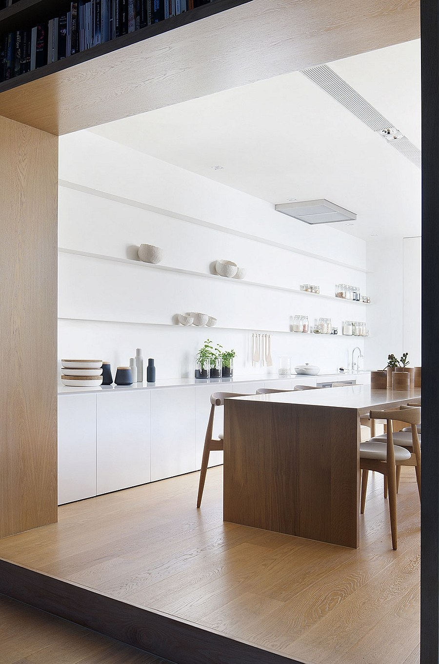 Floating shelves in the kitchen allow you to create an attractive display