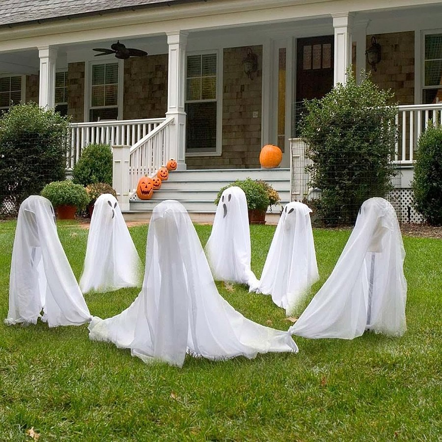 Halloween ghosts decorating idea