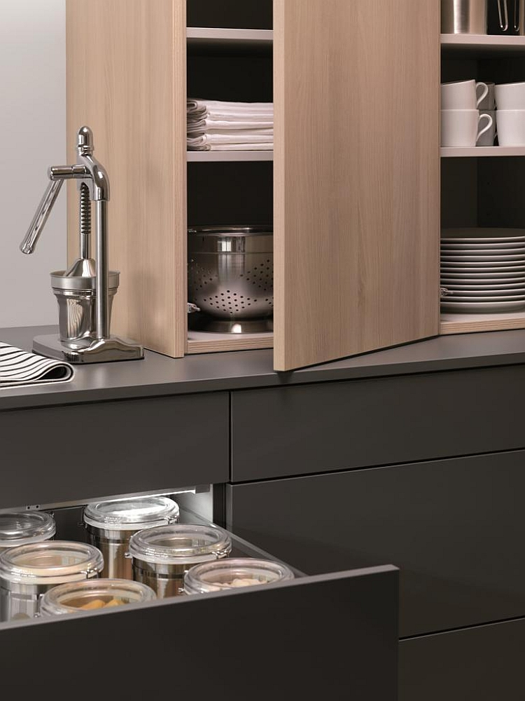 Handle-less doors and pull out drawers for the modern kitchen