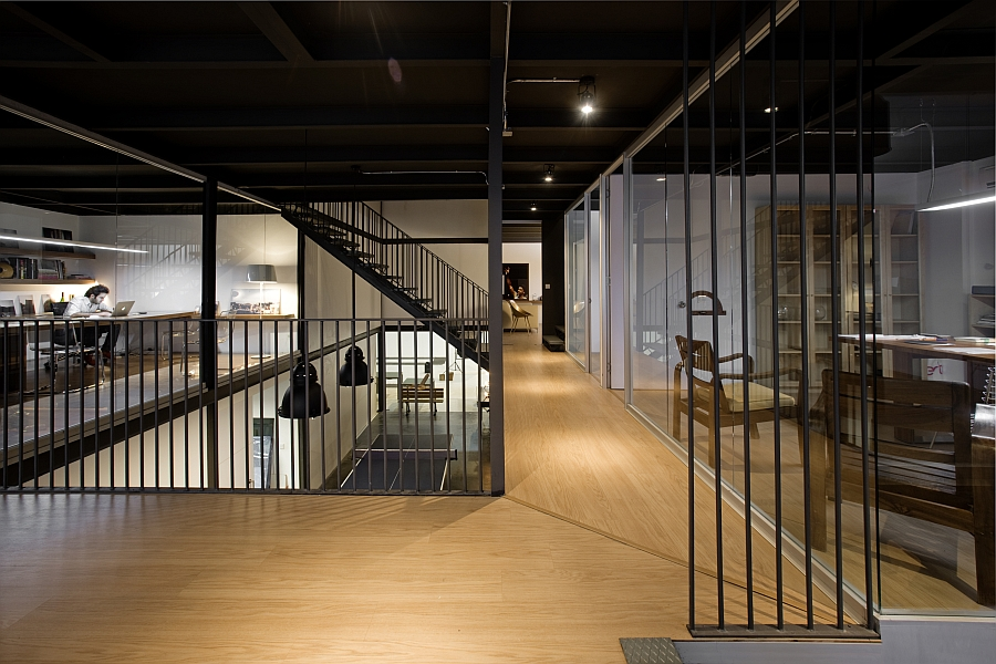 Ingenious office design combines modern and industrial styles