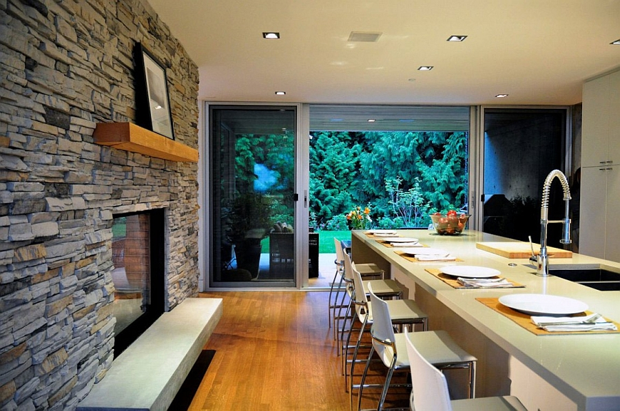 Kitchen island also doubles as a perfect breakfast area