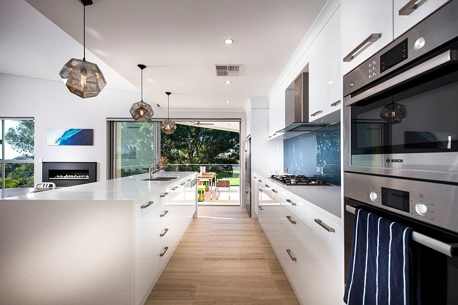 Contemporary perth residence with scenic ocean views for Focal point flooring