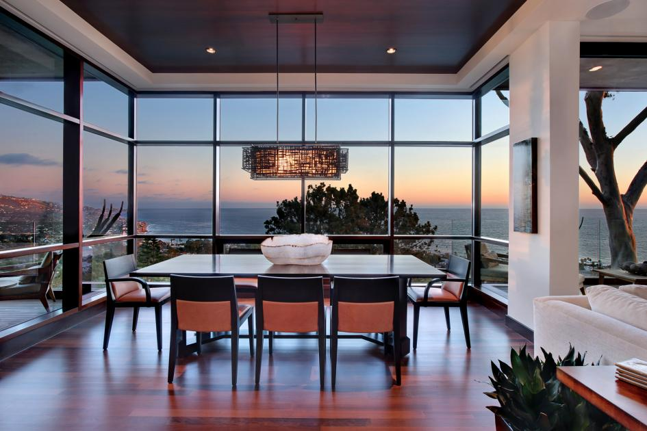 20 Dashing Dining Rooms With A Scenic Ocean View