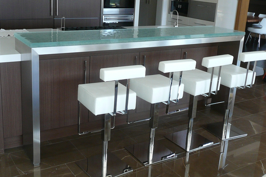 Raised bar countertop with steel substrate in the modern kitchen
