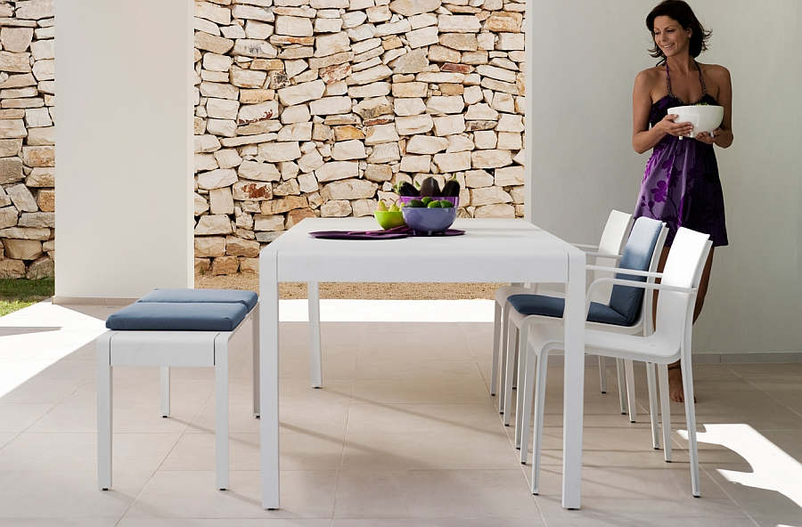 Recyclable and elegant outdoor chairs for the lovely lounge