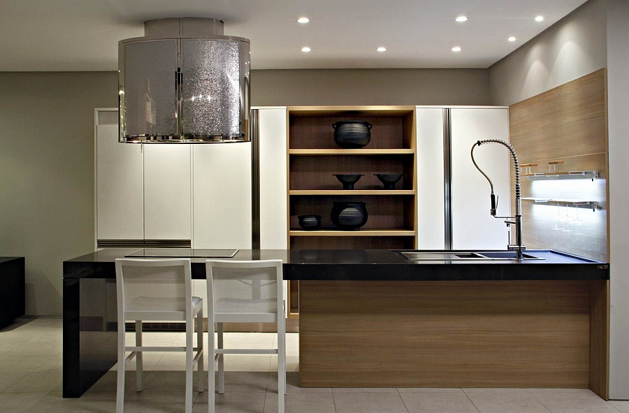 Smart black pots add to the appeal of the kitchen
