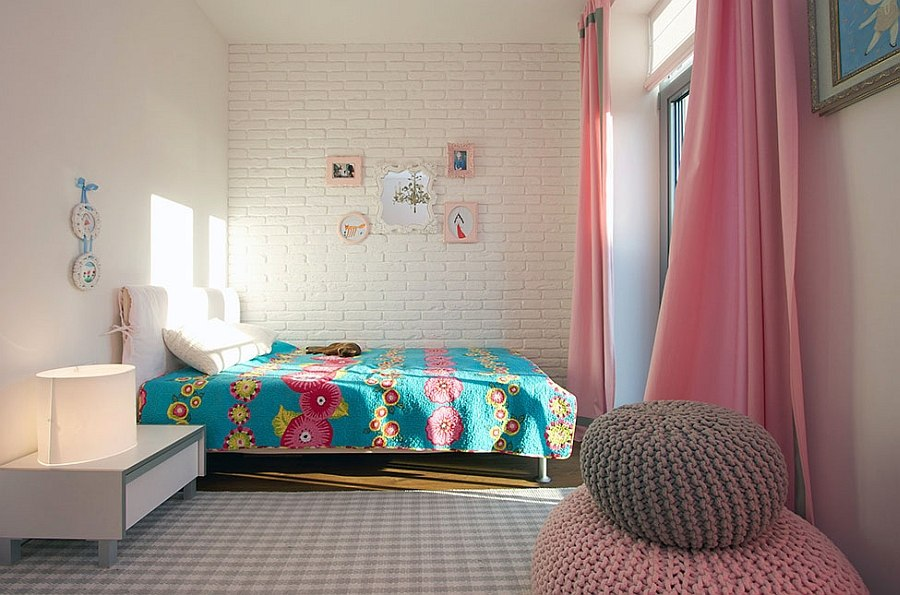 Smart kids' bedroom in pink, blue and white