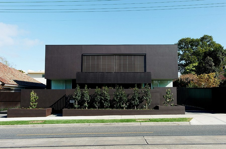 Street facade of Bindis House in Australia A Dashing Dark Silhouette for Posh Residence in Melbourne