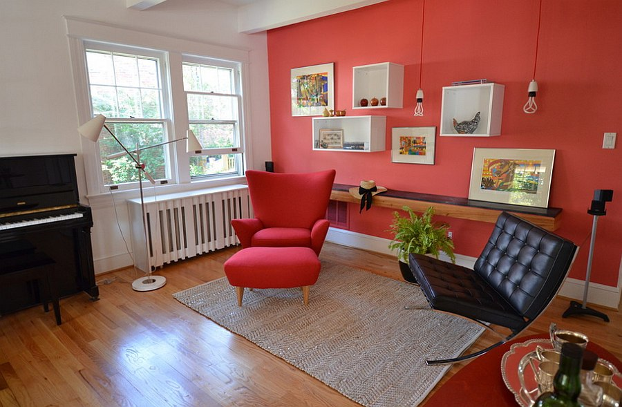 Trendy little living space with plenty of red [Design: Nicole Lanteri]