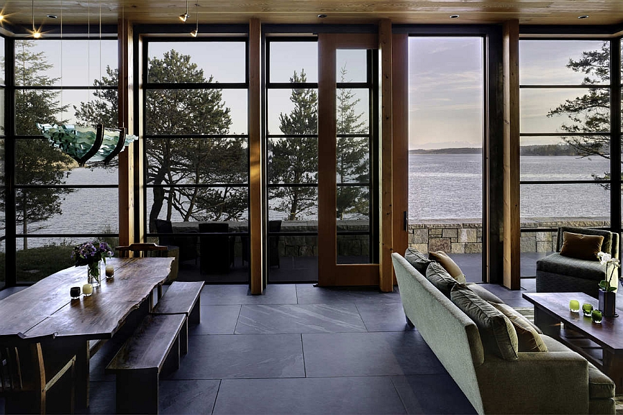 Unabated views of the bay from the dining and living area