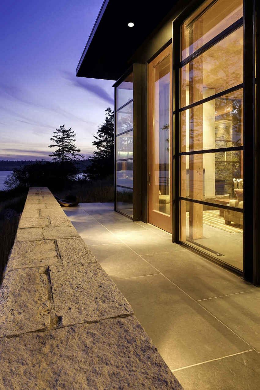Use of natural material enhances the appeal of the home
