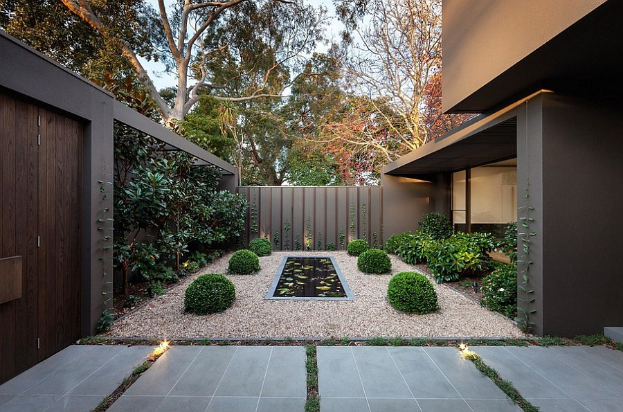 Zen styled garden idea for the entrance porch