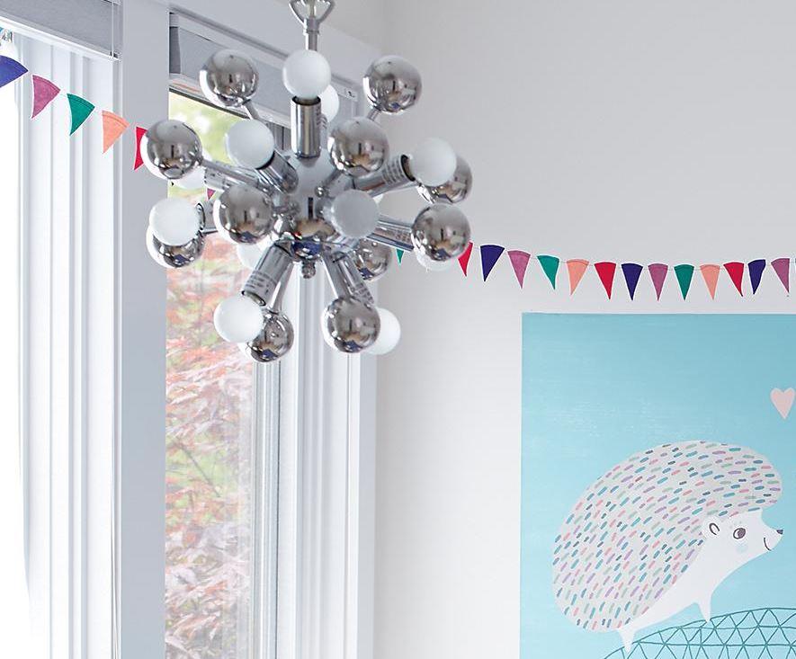 '50s-style chandelier