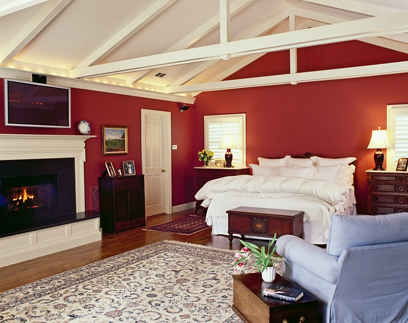 Airy bedroom allows you to use red in a more extensive fashion [Design: Camber Construction]
