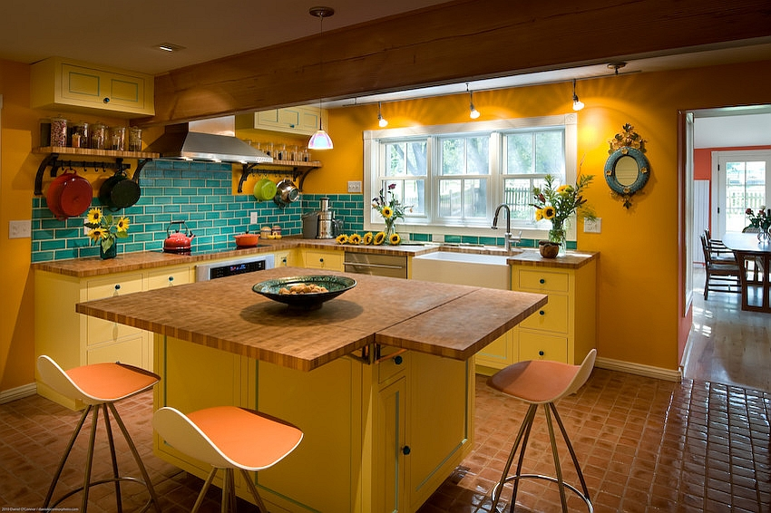 Beautiful farmhouse style kitchen in yellow and blue [Design: Fieldwork Architecture]