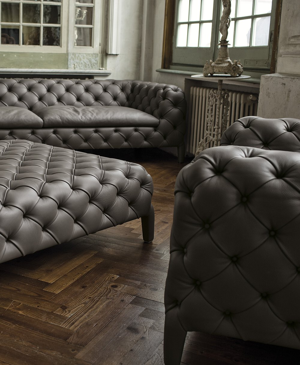 Combine the Windsor pouf with for decor for a snazzy setting