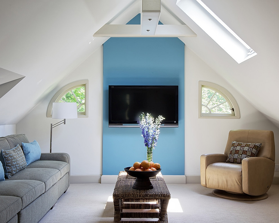10 attic spaces that offer an additional living room - Tv small spaces design ...