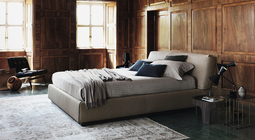 Dashing bed brings together contemporary and classic design Elegant Bed, Sofa and Armchairs: Gentleman Collection by Flou
