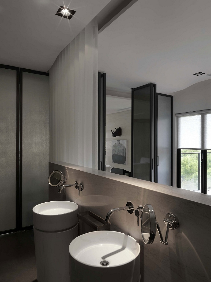 Elegant bathroom design with an Asian style