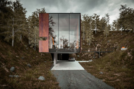 Dramatic Minimalist Home Transforms an Abandoned Quarry in the UK