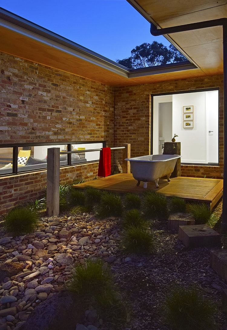 Enjoy a star-studded night as you take a refreshing soak [Design: Howden Homes]