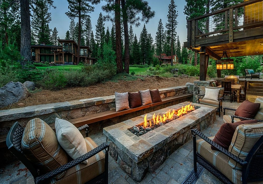 Fabulous Lake Tahoe Cabin House with an outdoor living and fireplace