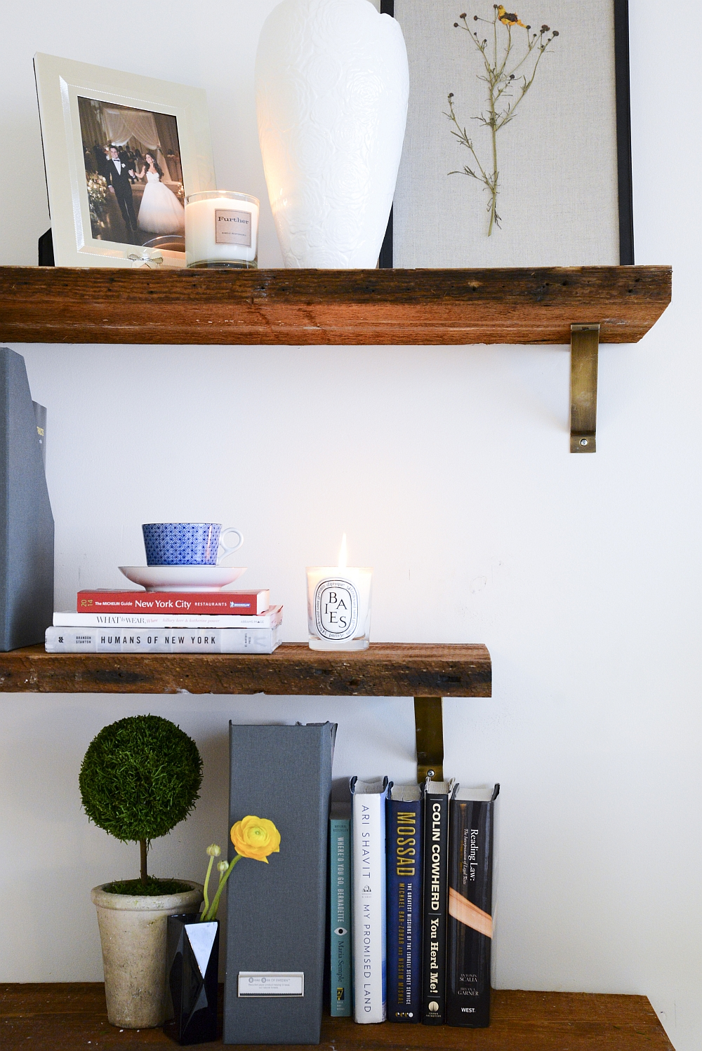Floating shelves decorating idea