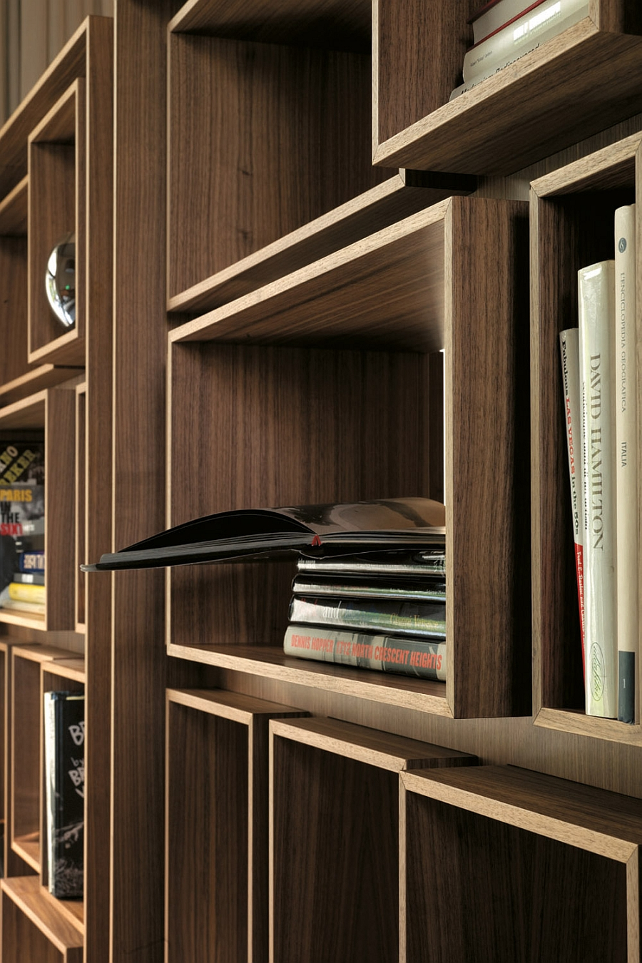 Gorgeous use of wood to shape the stylish bookshelf