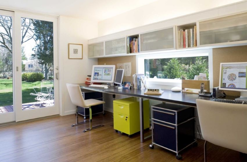 Home office with clean desks