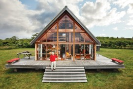 Jens Risom's Family Retreat Charms with Timeless Beauty