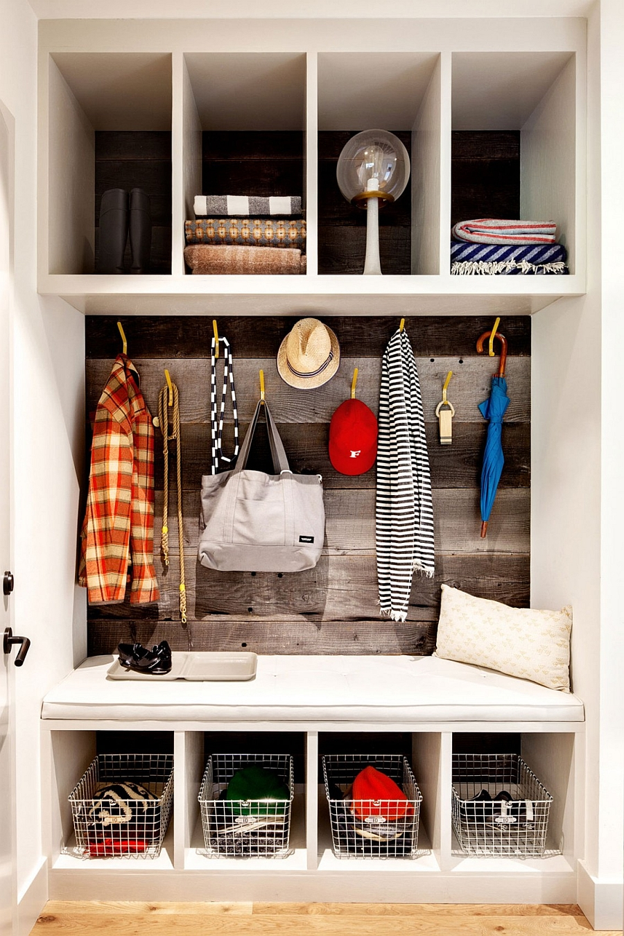 Mudroom design idea for the modern home