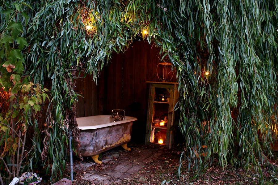 Natural canopy offers the perfect spot for an outdoor bath [From: Shannon Malone]