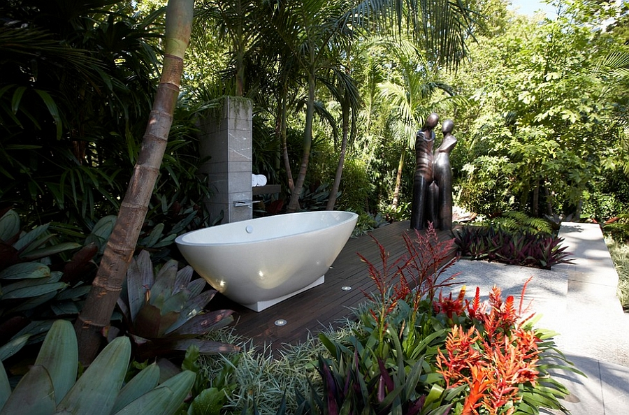 ... Outdoor Bathroom With Shower And Bathtub [Design: Dean Herald Rolling  Stone Landscapes]