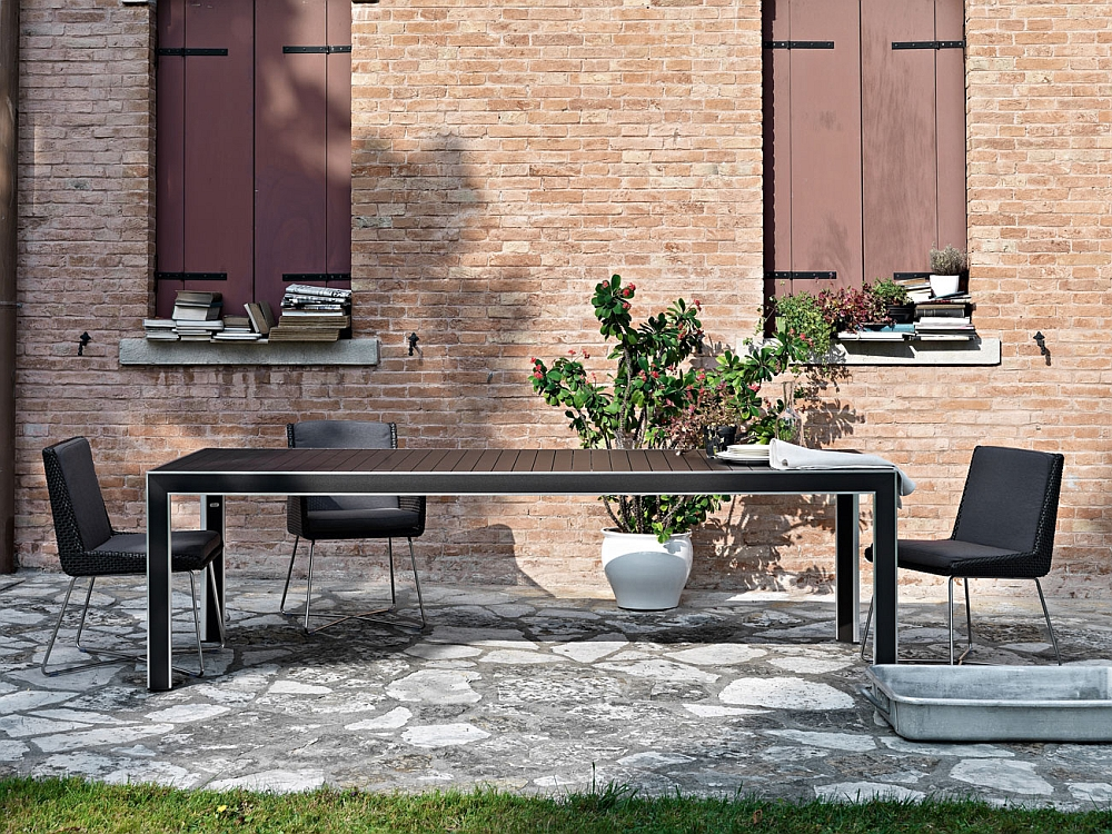 Pair the beautiful Avalon chairs with the outdoor dining table