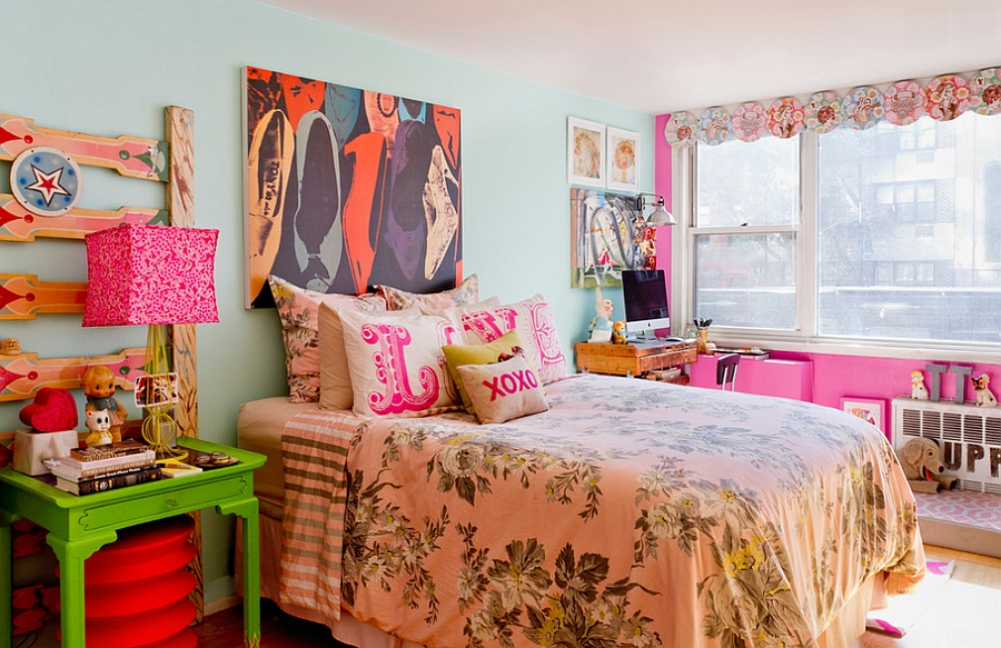 Pink unites the various elements of the room [Design: Apartment Jeanie]