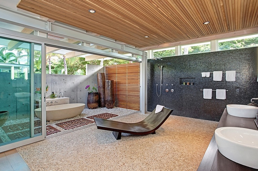 Relaxing Outdoor Bath Design That Is Connected With An Indoor Bathroom From Gregory Pierce