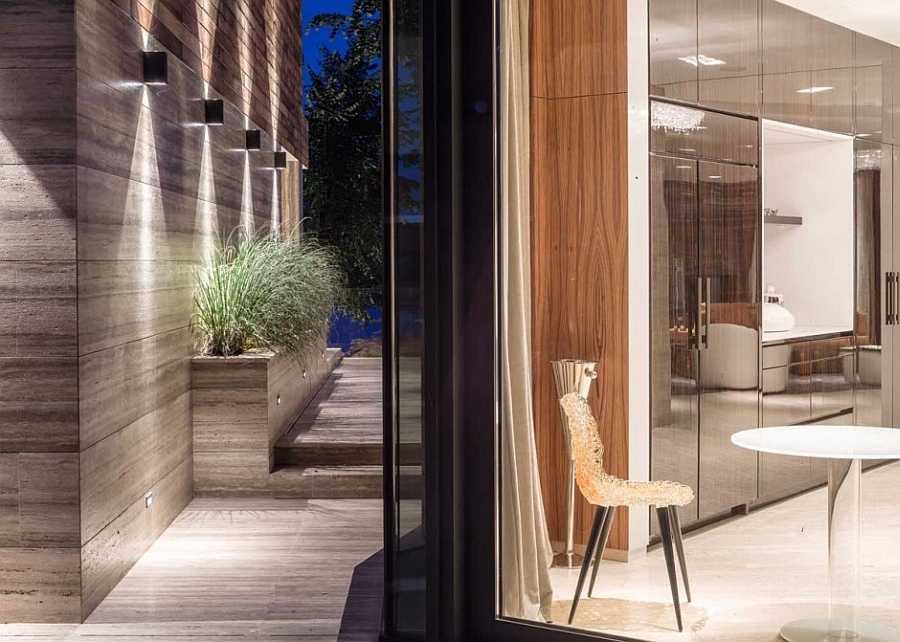 Seamless interaction between indoor and outdoor space