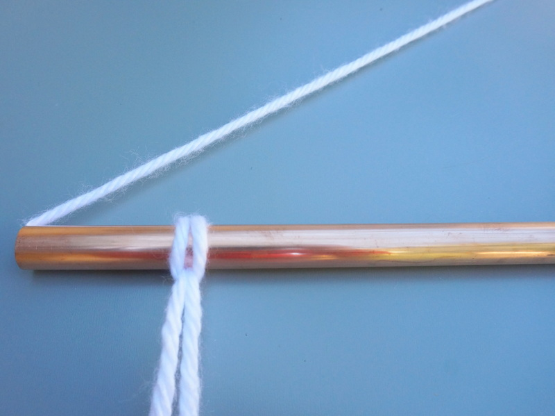Securing the yarn to the copper pipe-001