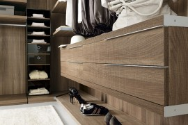 Exclusive Walk-In Wardrobe Offers Stunning Modular Adaptability