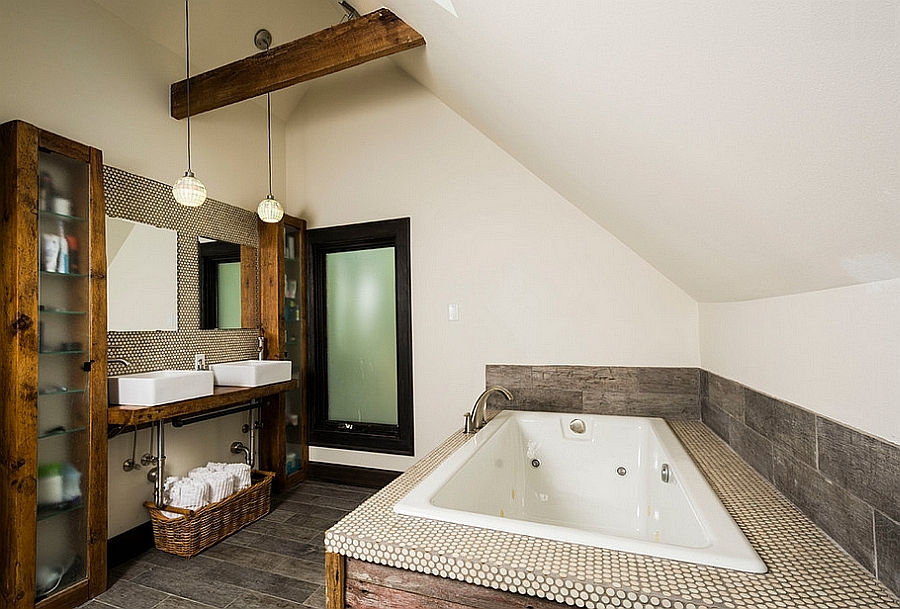 View in gallery Smart bathroom design makes wonderful use of space  Design   Ginkgo House Architecture. 10 Fabulous Bathrooms with Industrial Style