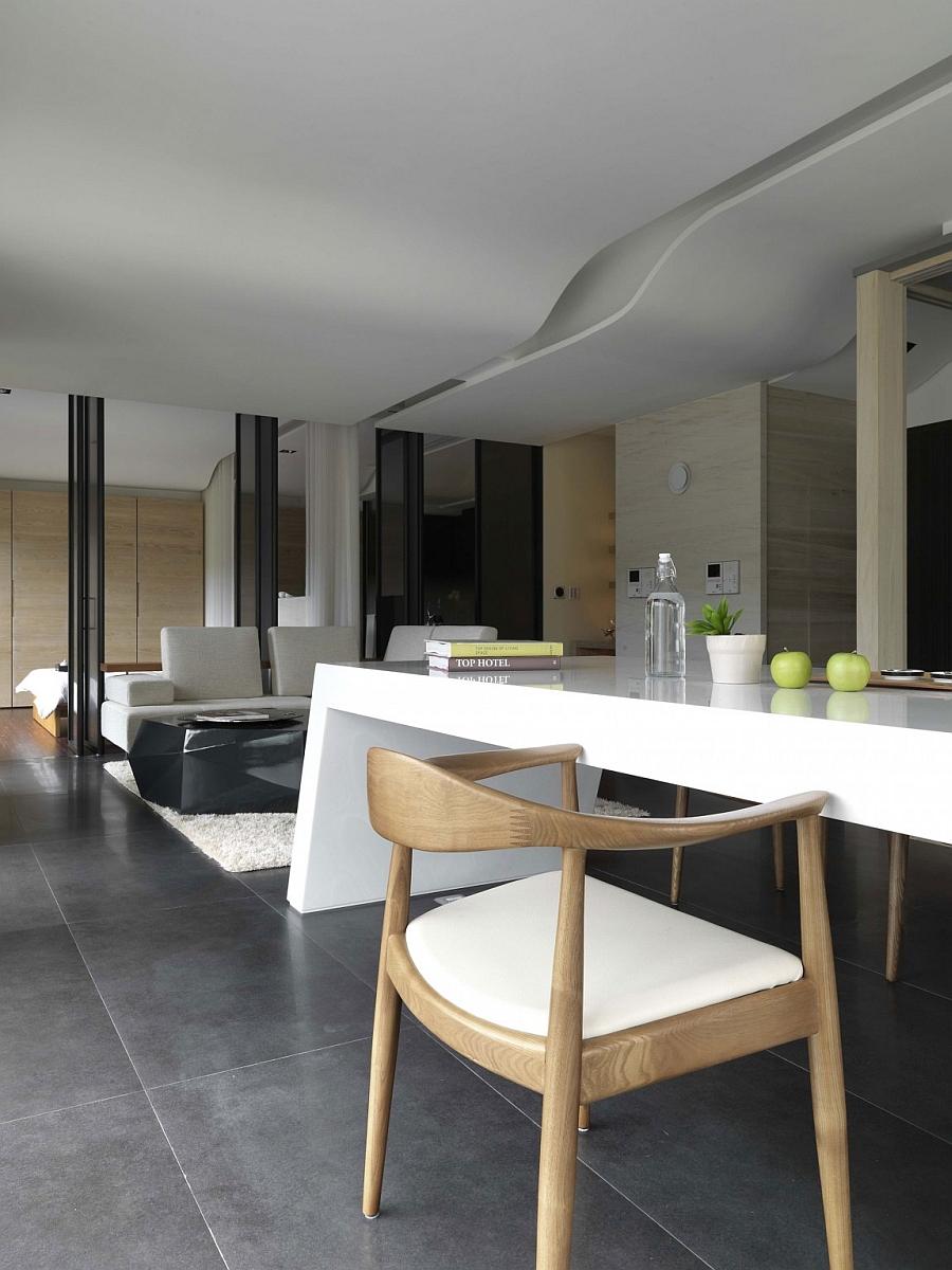 Smart kitchen sialnd design with a modern flair