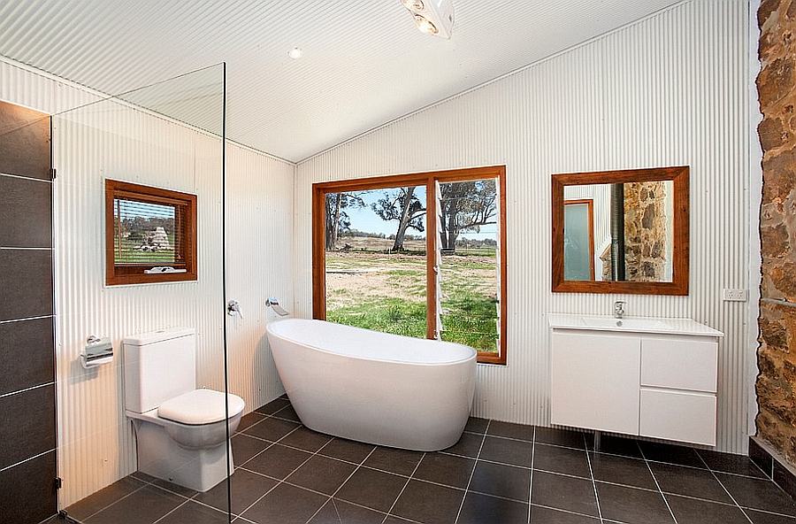 Steel sheeting used to craft the walls of the bathroom [Design: Sandberg Schoffel Architects]