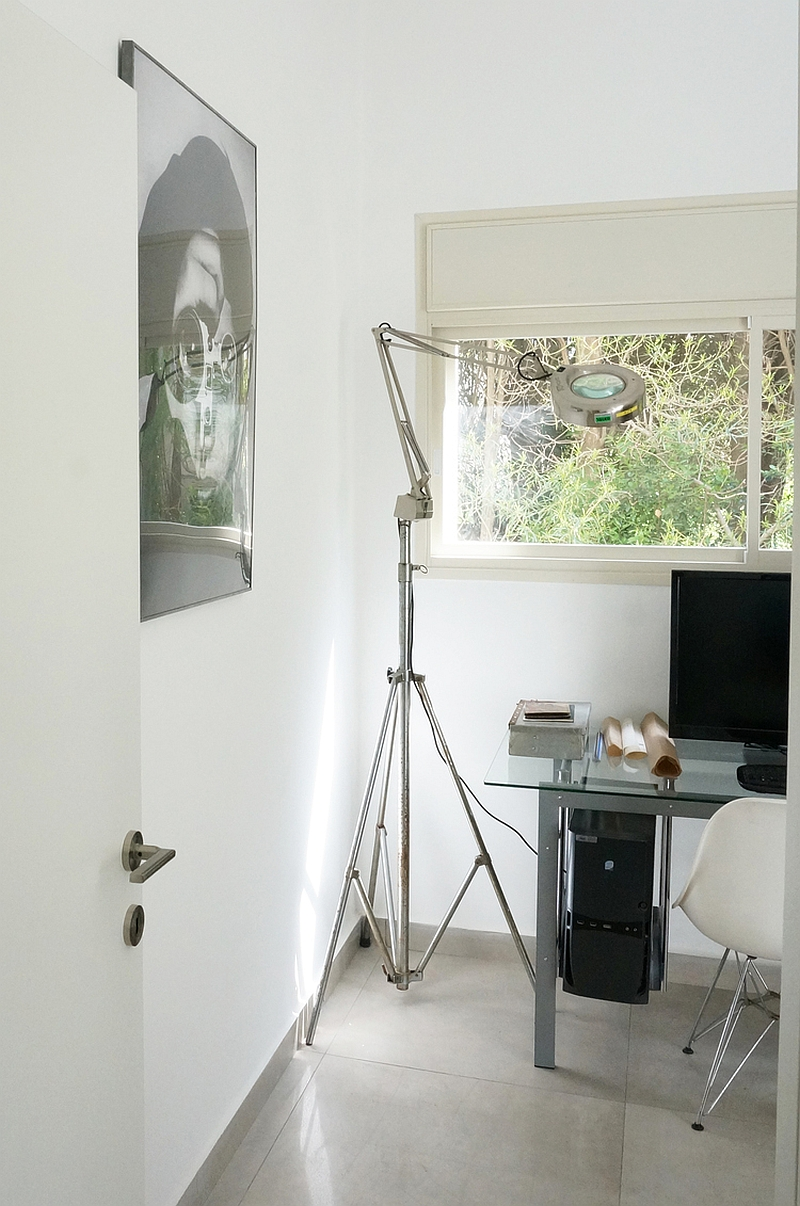 Tripod floor lamp in the cool home office