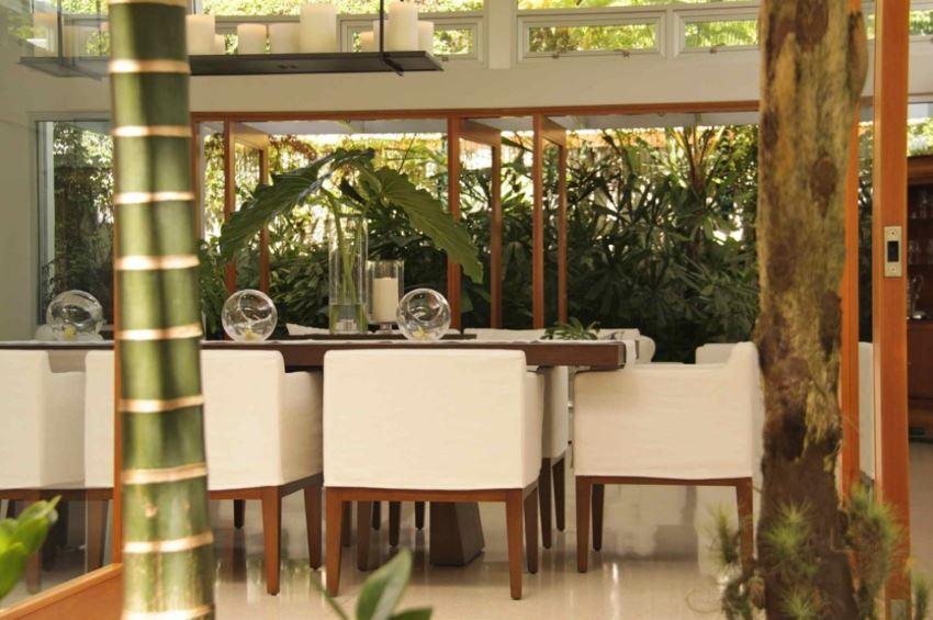 Tropical San Juan dining room