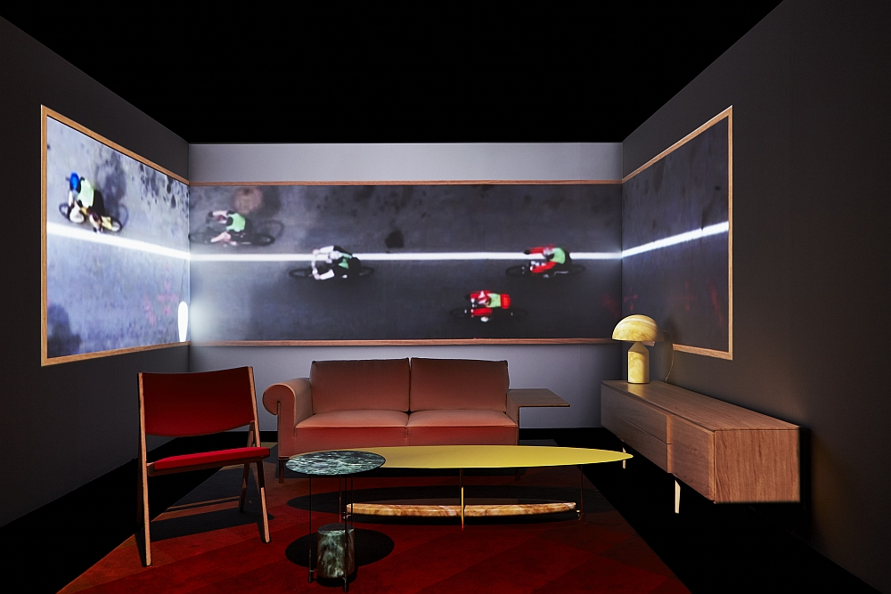 Using 3D projections to shape an interactive showroom experience