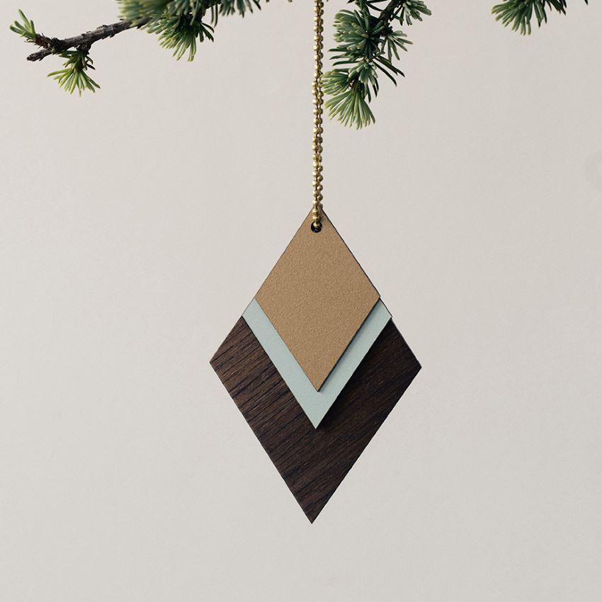 Wooden jewelry for the tree
