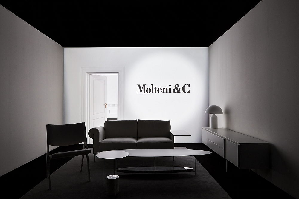 Glass Cube Molteni Amp C And Ron Gilad Redefine Showroom Design