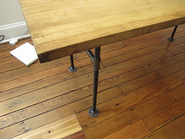 butcher-block-desk-with-pip